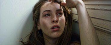 Mujer que sufre síntomas del abuso narcisista