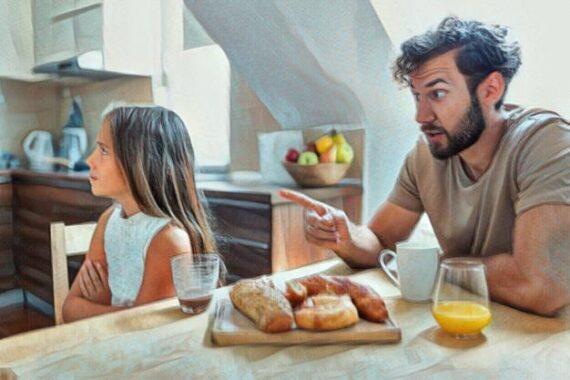 Hijo que desafía los límites de sus padres y cómo lidiar con ellos