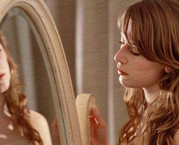 Una mujer que toma consciencia para sentirse orgullosa de si misma