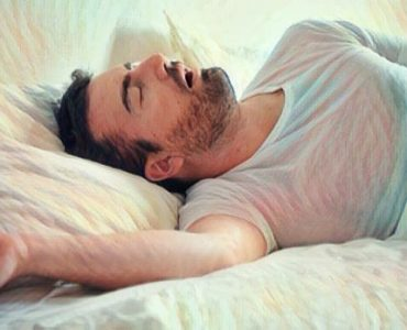 Hombre que sufre parasomnia trastornos del sueño