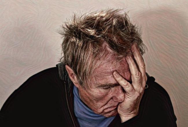 Una persona que tiene depresión bipolar