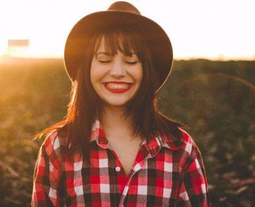 Una mujer que es feliz