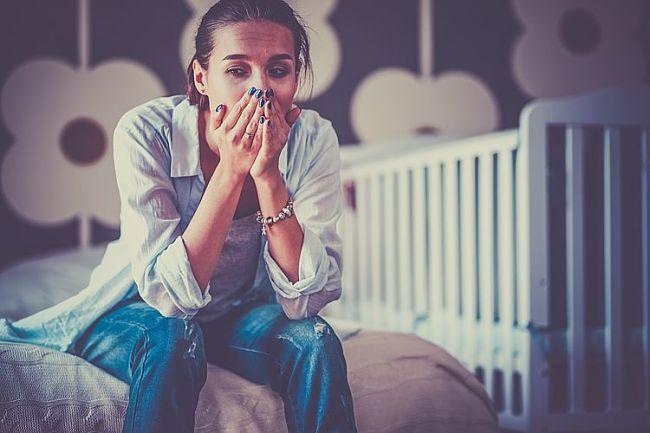 Mujer que padece el síndrome de Burnout
