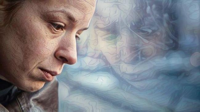 Mujer con problemas de ciclotimia y repentinos cambios de humor y estados de ánimo