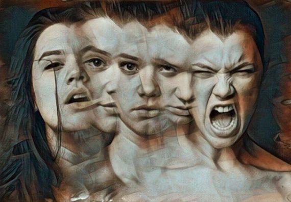 Mujer con síntomas del trastorno de despersonalización