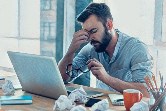 Persona que padece adicción al trabajo