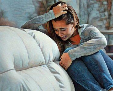 Mujer con síntomas de la depresión atípica