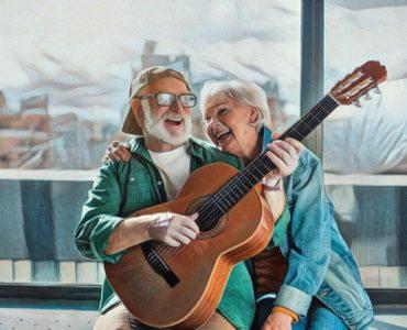 Adultos mayores haciendo música