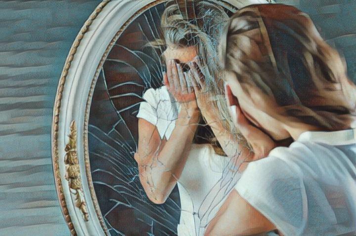 Mujer que sufre el síndrome de Solomon