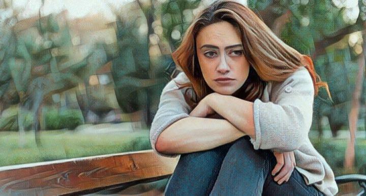 Mujer con síntomas de apatía