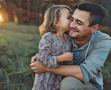 Una hija dando consejos a su padre
