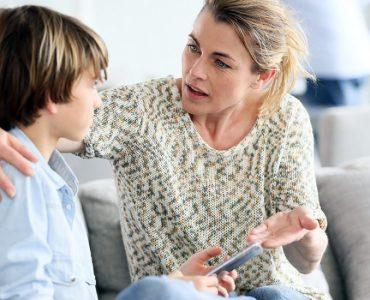 Madre pone límites a su hijo