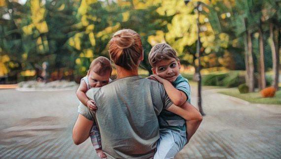 Estudio de Harry Harlow sobre la importancia del contacto materno para el desarrollo social de los niños