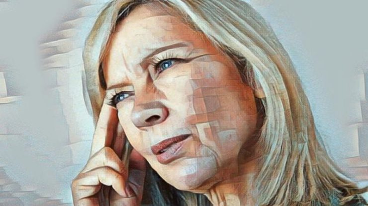 Mujer que padece amnesia