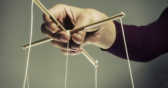 Cómo defenderse de un manipulador