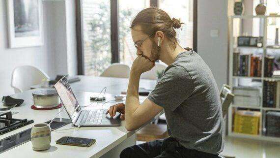 Aprende cómo administrar tu tiempo y dejar de procrastinar para organizar mejor tu trabajo